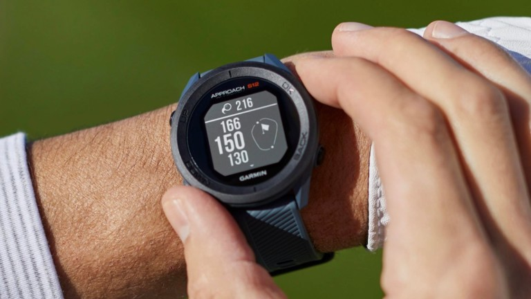 Garmin Approach Golf Watch Series gives precise distances so you can play at your best