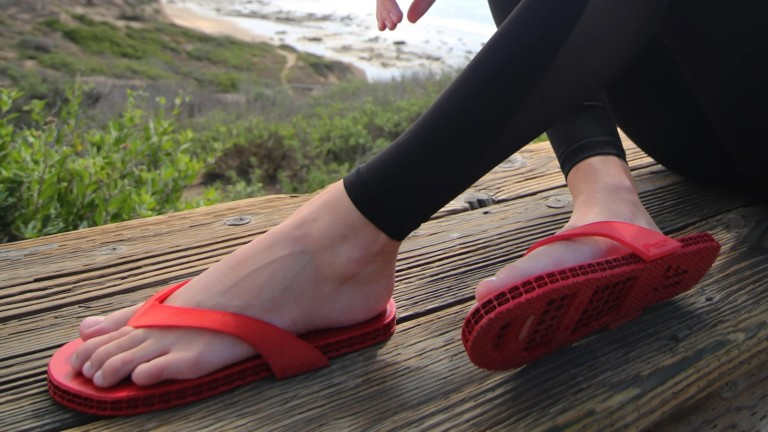 Impact Footwear IMPACT F1 flip-flops are custom 3D printed to your feet