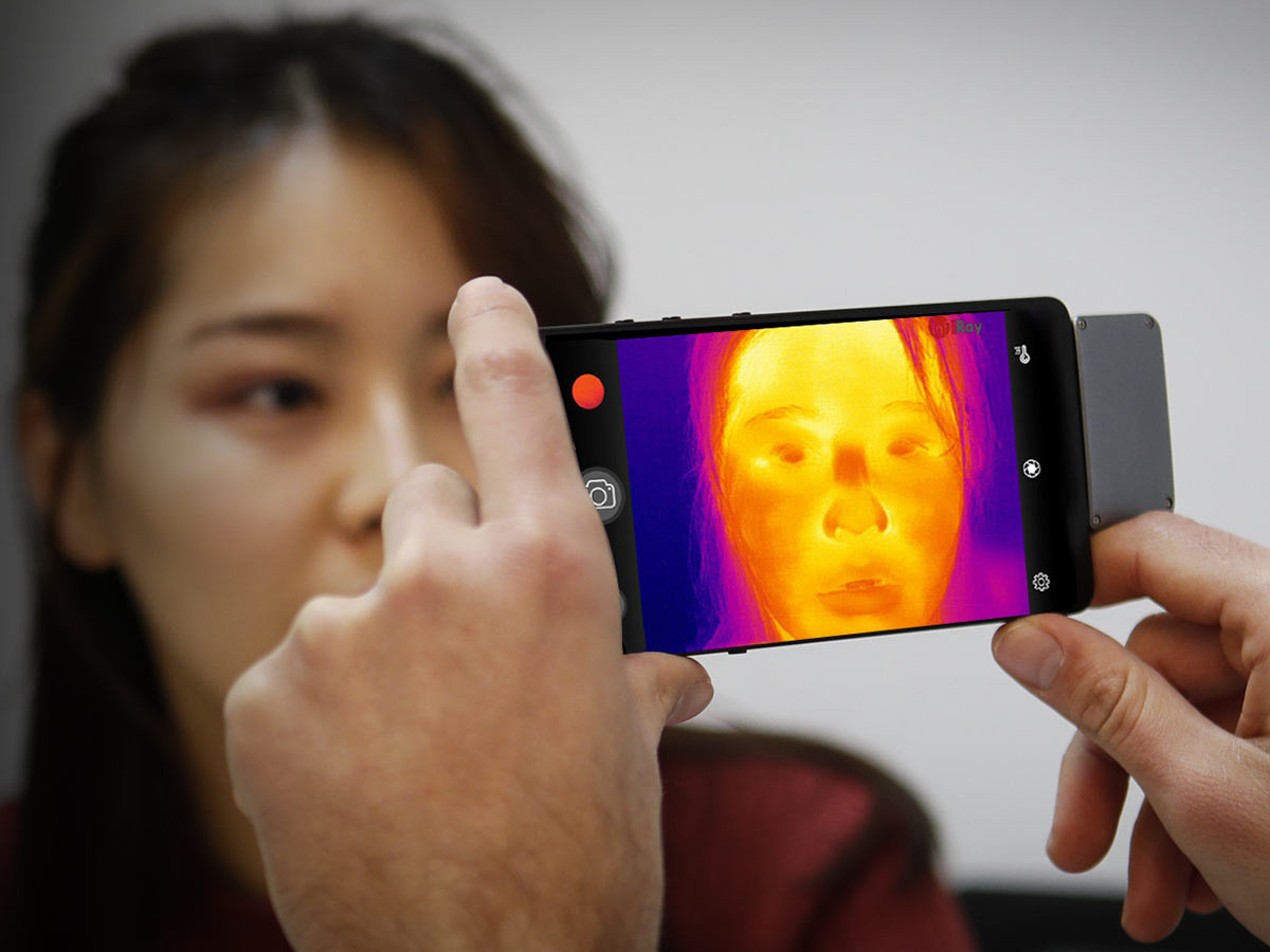 InfiRay T3S phone thermal camera lets you see the invisible