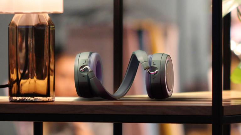 Junho Moon Helix multifunctional headphones transform into a speaker with a twist