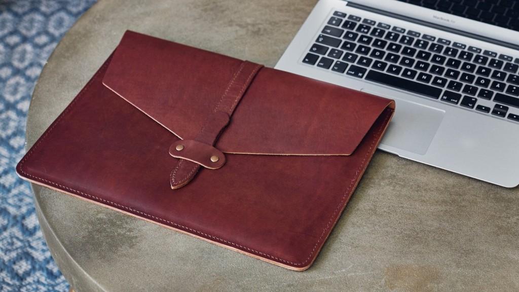 Kasperi Leather Secure Laptop Sleeve