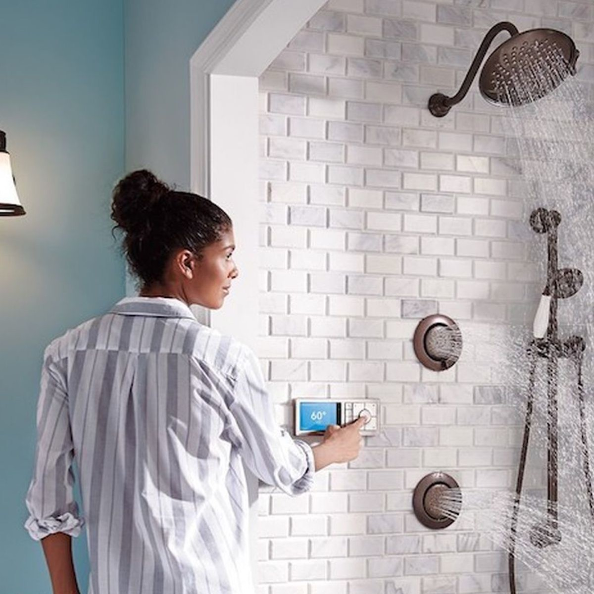 Make your bathroom futuristic with these smart gadgets thumbnail