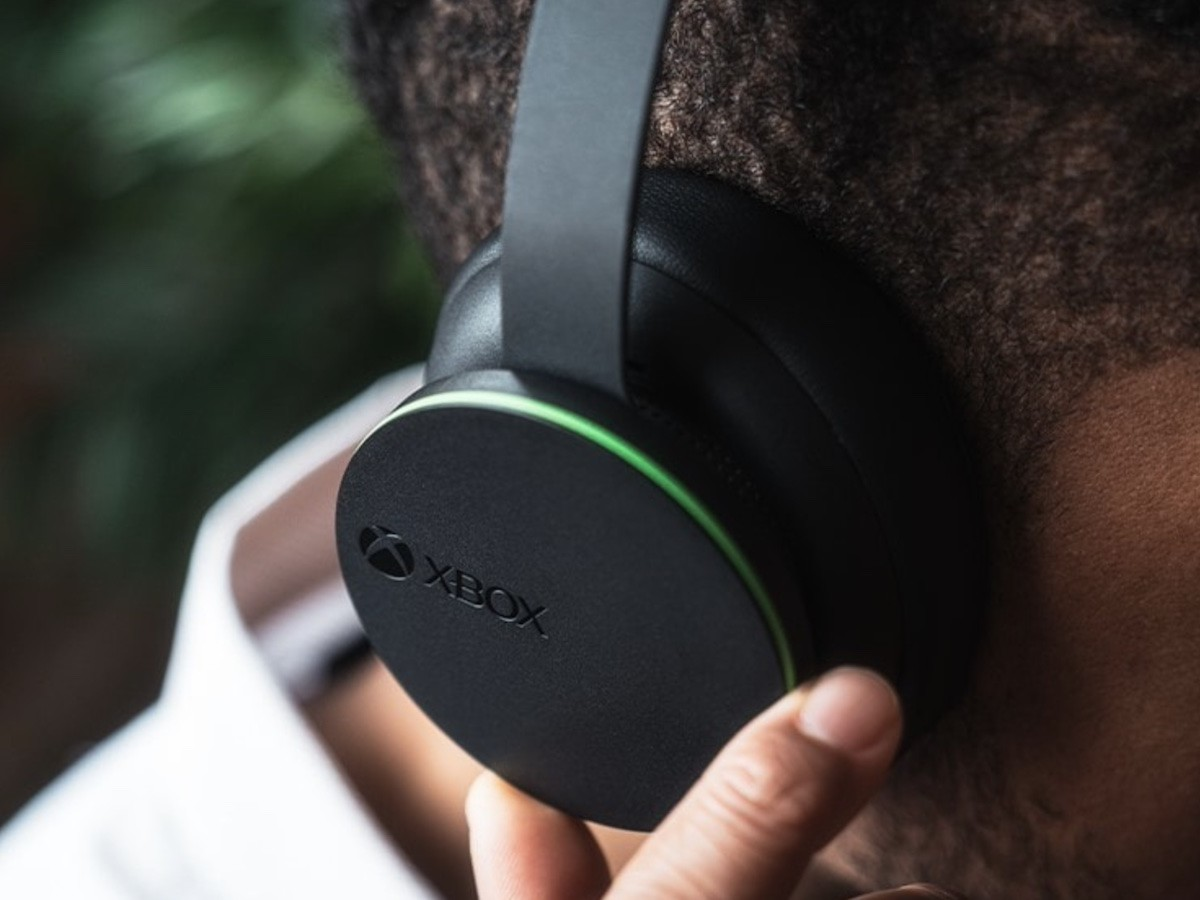 Microsoft Xbox Wireless Headset features voice isolation for crystal-clear chats
