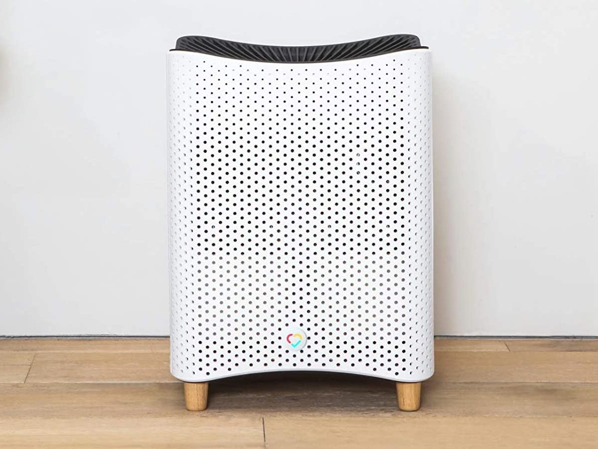 Mila smart quiet air purifier reduces its volume when you enter a room to not disturb you