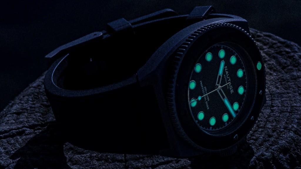 NAUTAGE D221 automatic dive watch