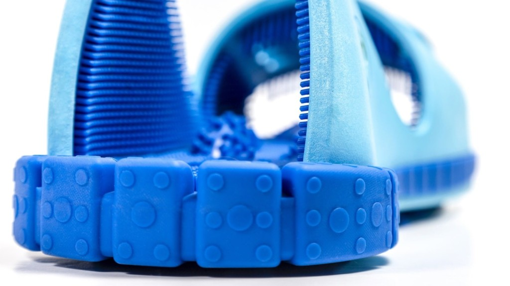 This foot cleaning sandal actually cleans and exfoliates your feet Squeaky Clean Feet foot cleaning shoe