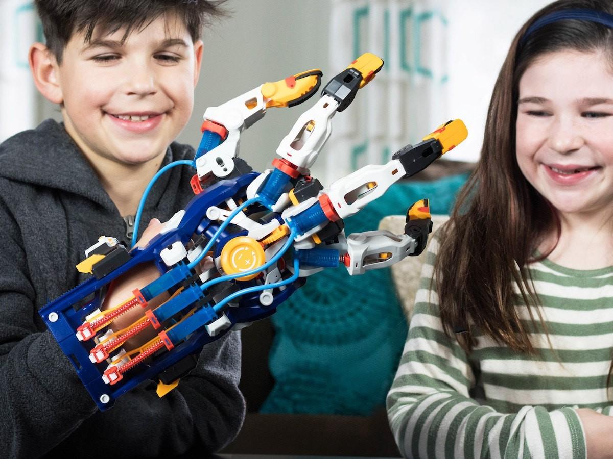 Thames & Kosmos Mega Cyborg Hand STEM experiment kit fits like a huge hydraulic glove