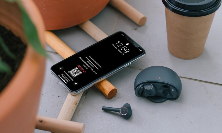 These digital phone tags help you get your tech back