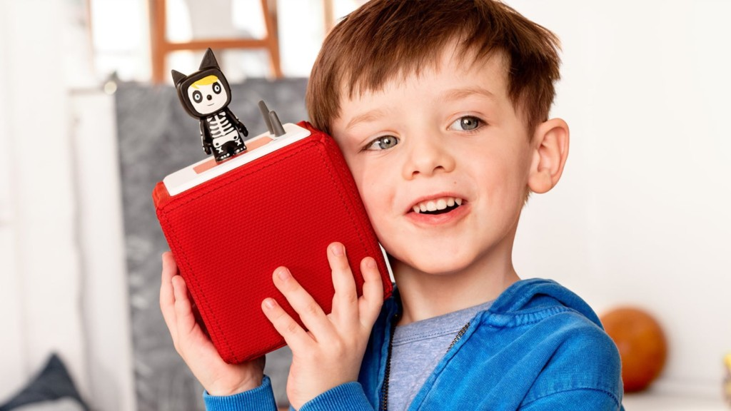 Smart Tech Toys that Support your Child's Creativityonies Toniebox kids' storytime box