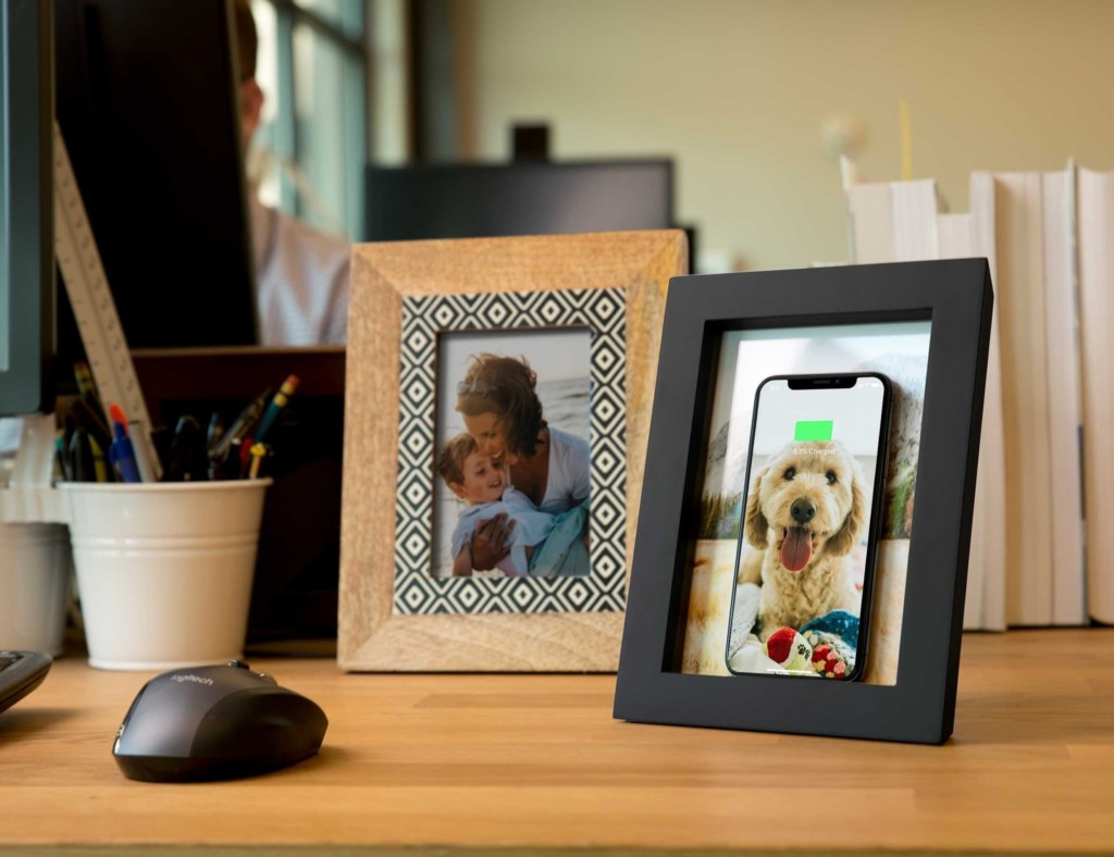 V Twelve South PowerPic Wireless Charger Photo Frame