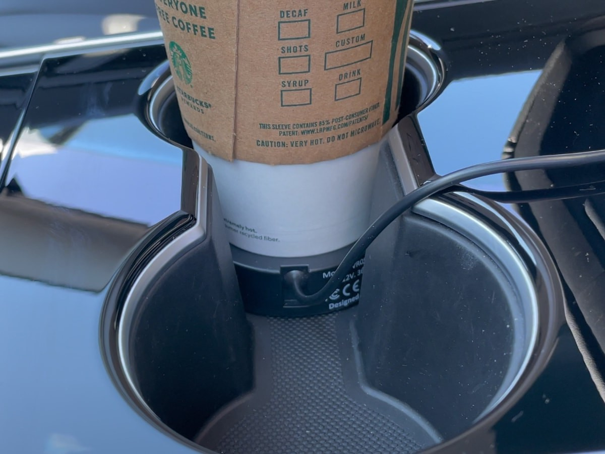 Vintter car cup warmer keeps your coffee at the perfect temperature