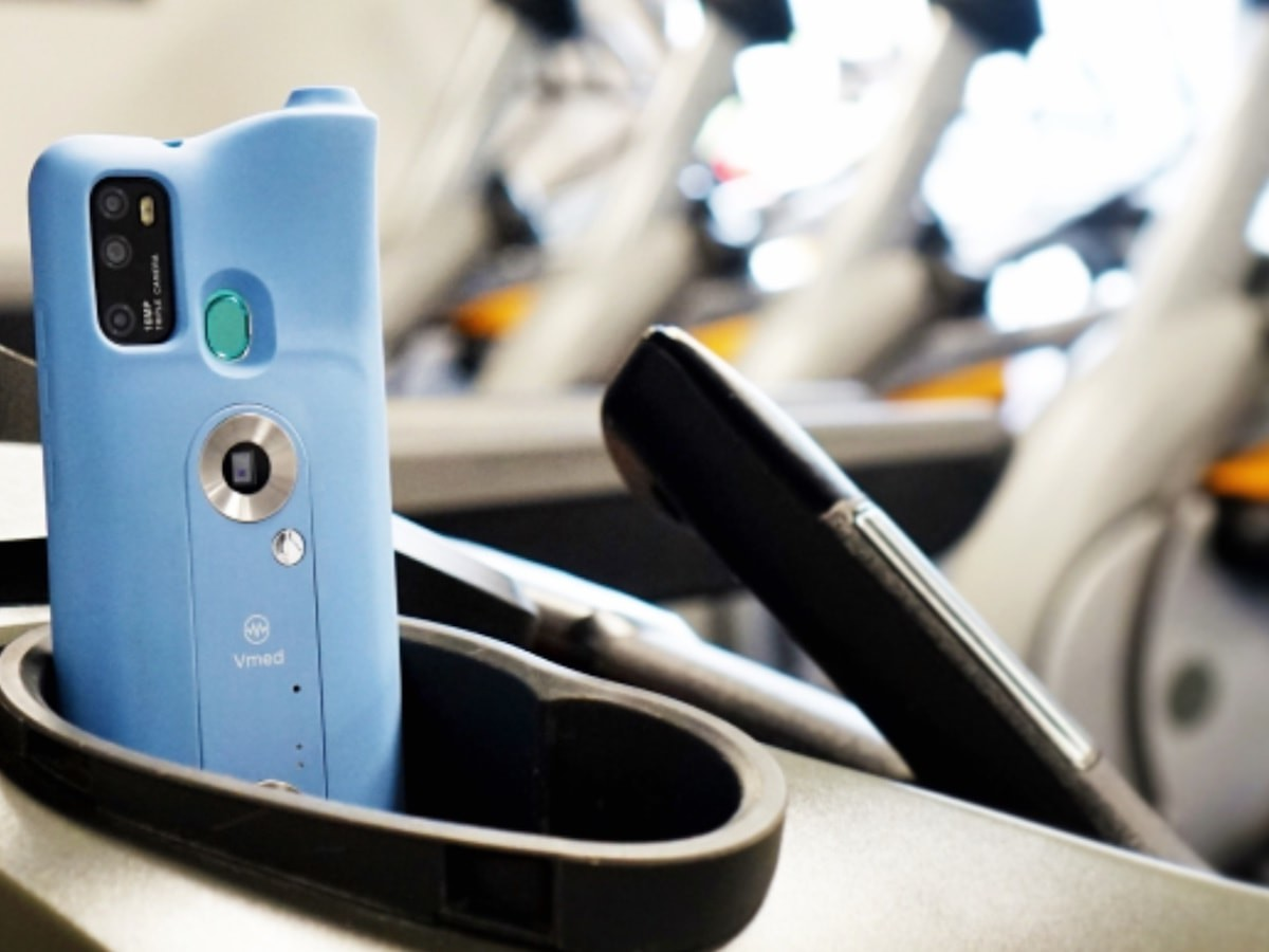 Vmed health-monitoring smartphone case measures 10 of your body's vitals