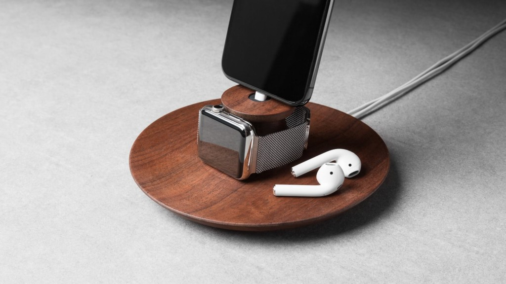 Fancy gadgets for your home and officeYohann iPhone and Apple Watch Charging Stand