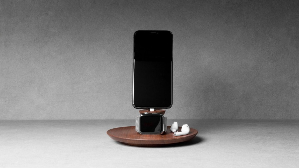 Fancy gadgets for your home and office Yohann iPhone and Apple Watch Charging Stand