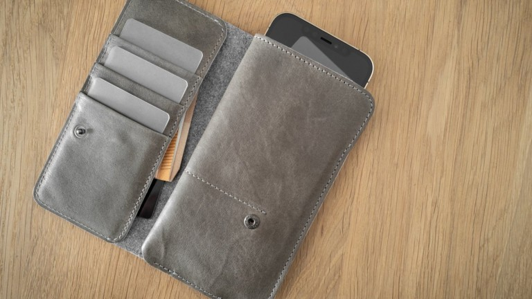 hardgraft Mighty Wild iPhone 12 Case protects your device and holds credit cards