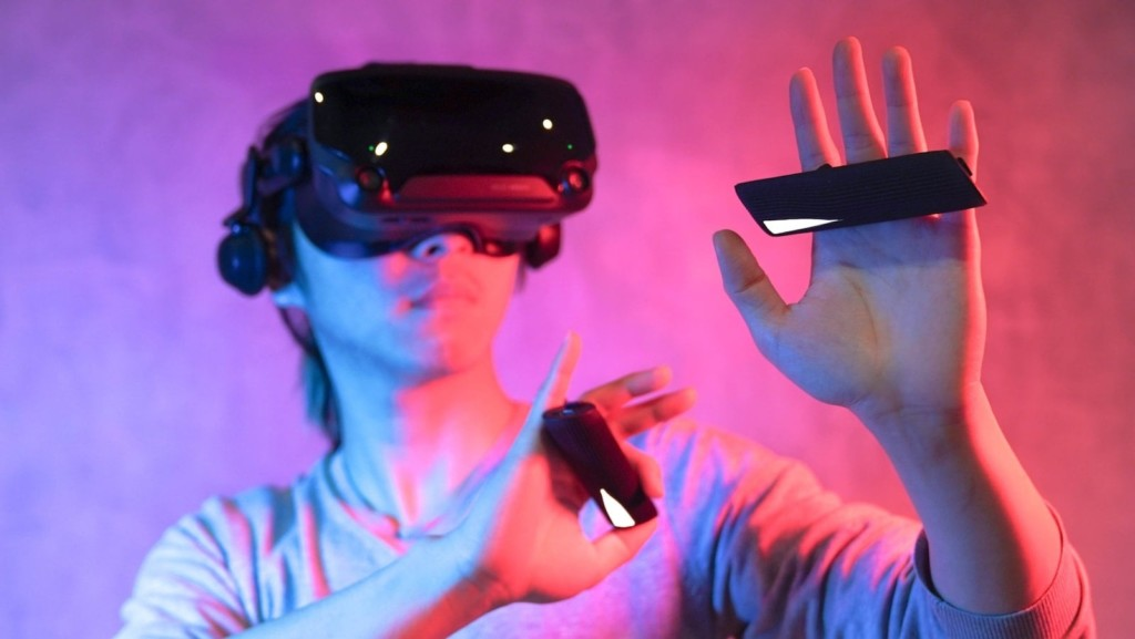 Cool gadgets to add to your 2021 wish list tg0 etee button-free VR controller