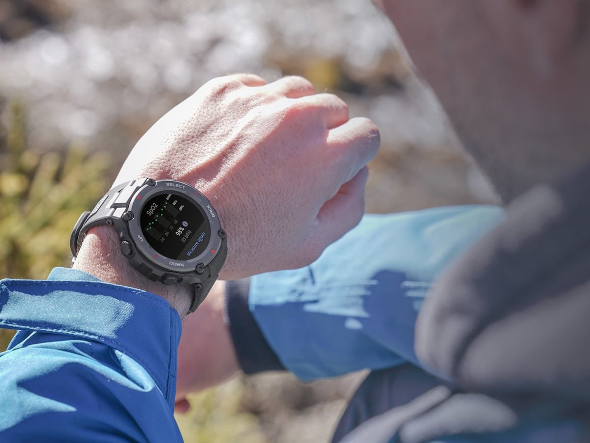 T-Rex Pro military watch supports over 100 different sports modes & has an 18-day battery