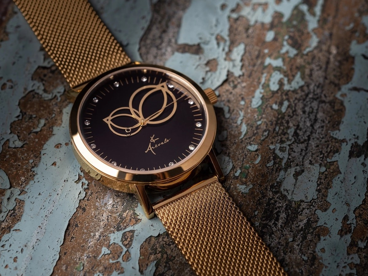Arévalo Watches Circularis gold timepiece has sparkly crystal hour markers
