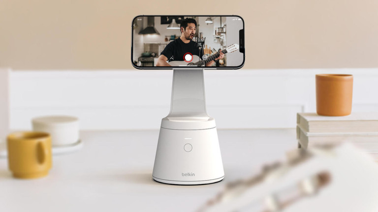 Belkin Magnetic iPhone 12 Mount with Face Tracking rotates and adjusts to your movement