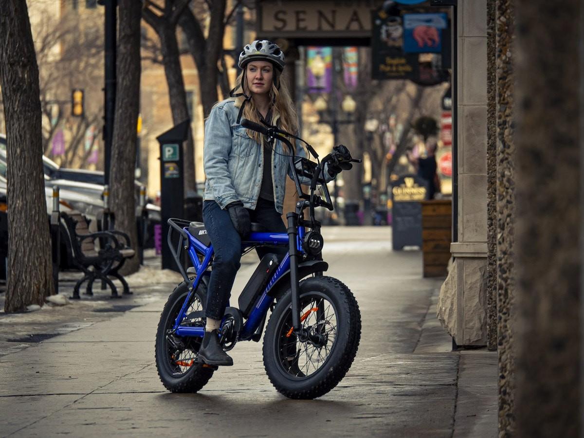 Biktrix Moto moped-style eBike has 100+ mi of range