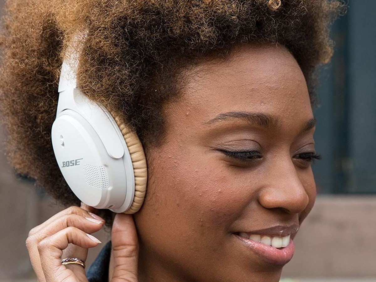 Bose SoundLink around-ear wireless headphones II pair with 2 Bluetooth devices