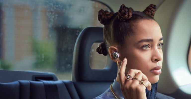 Bowers & Wilkins PI7 in-ear wireless headphones have high-res Qualcomm aptX Adaptive sound