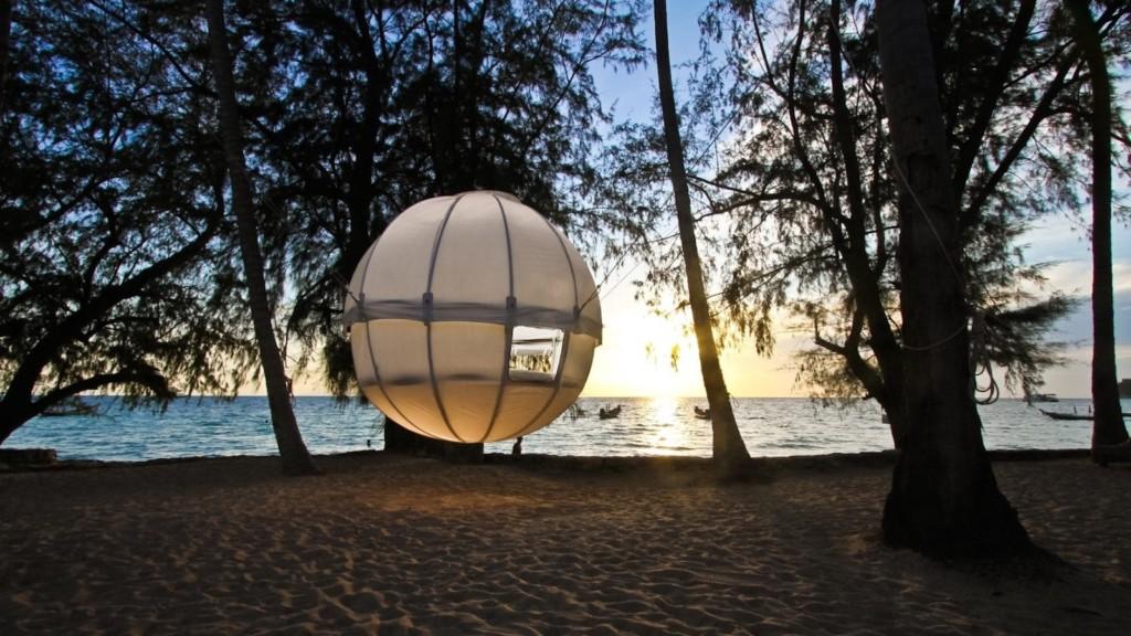 Cocoon Spherical Tree Bed