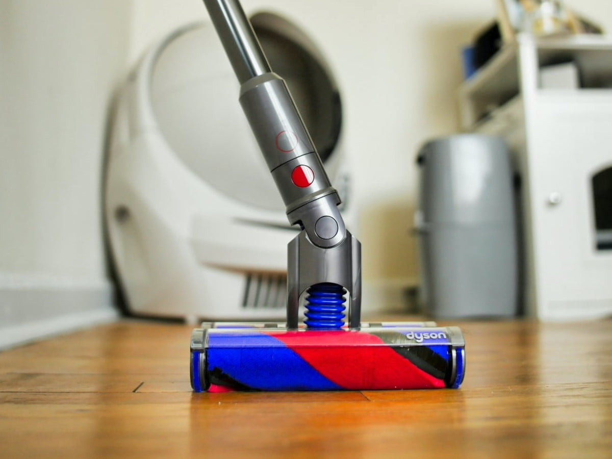 Dyson Omni-glide multidirectional vacuum glides in all directions & fits into tight spaces