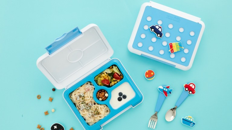 Flex & Lock kids' leakproof lunch box provides a clean and safe lunch