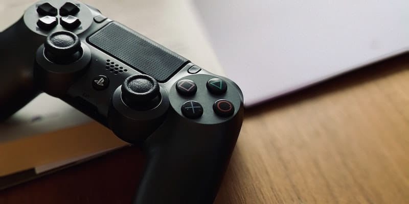 DualShock PS4 controller in black / Credits: Şafak K. via Unsplash