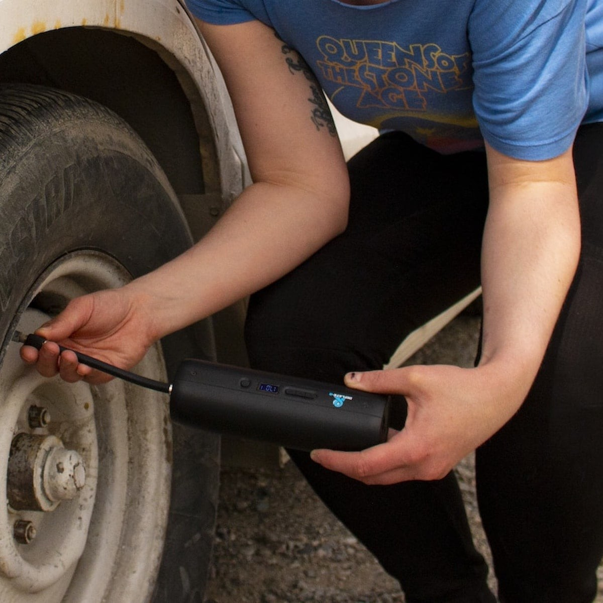 This cool air pump inflates anything that holds air thumbnail