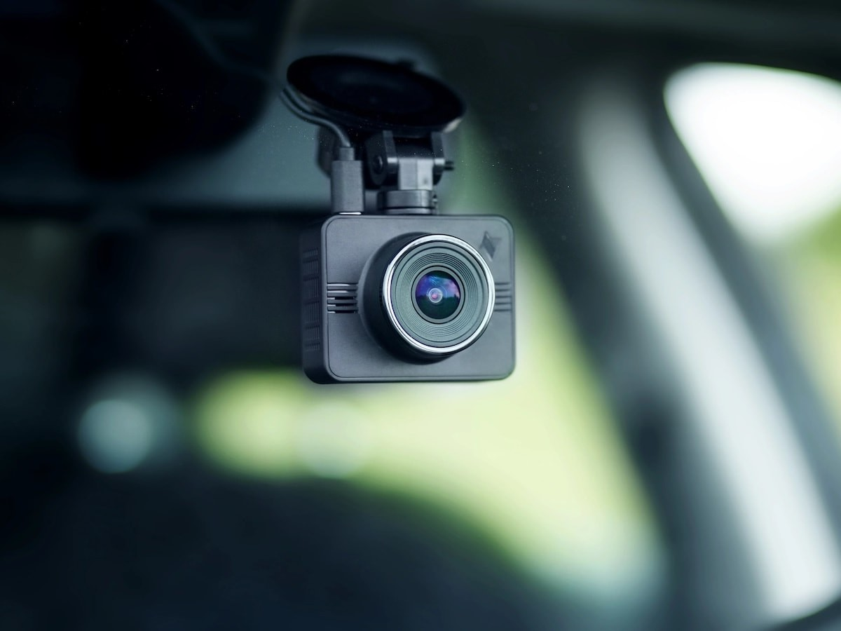 Nexar Beam GPS dash cam provides 1,080 Full HD resolution and unlimited cloud storage