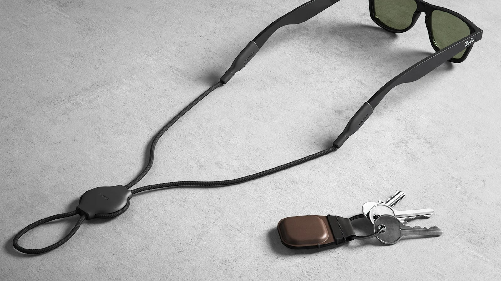 Nomad-AirTag-Keychain-and-Glasses-Strap-01.jpg