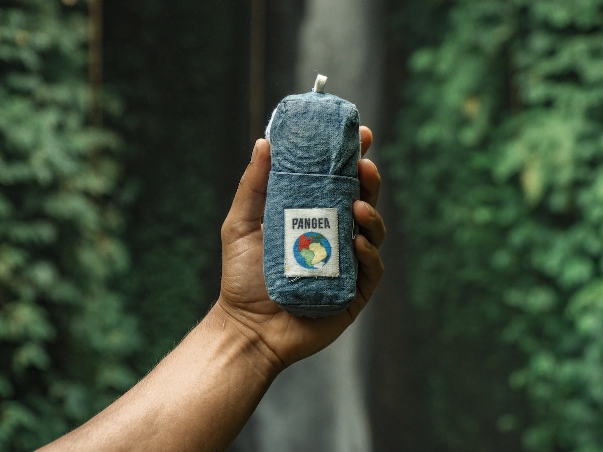 PANGEA Eco Towel cleans your body, ocean trash, & CO2 from the air