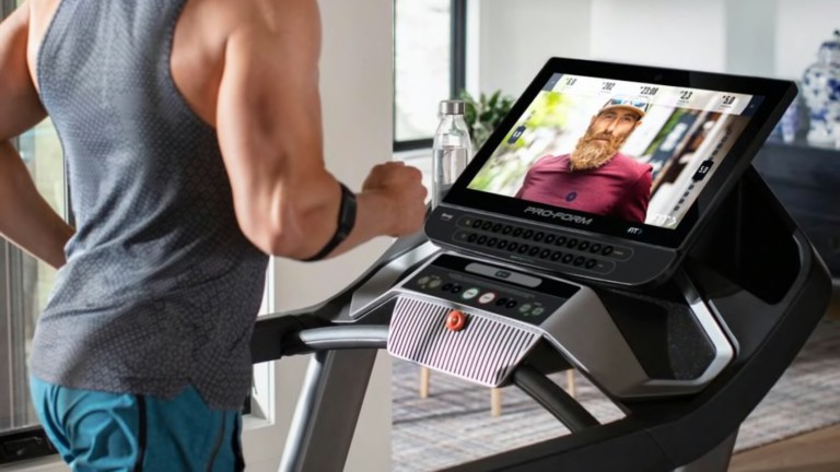"""ProForm Pro 9000 high-tech treadmill features a 22"""" HD screen for beautiful sceneries"""