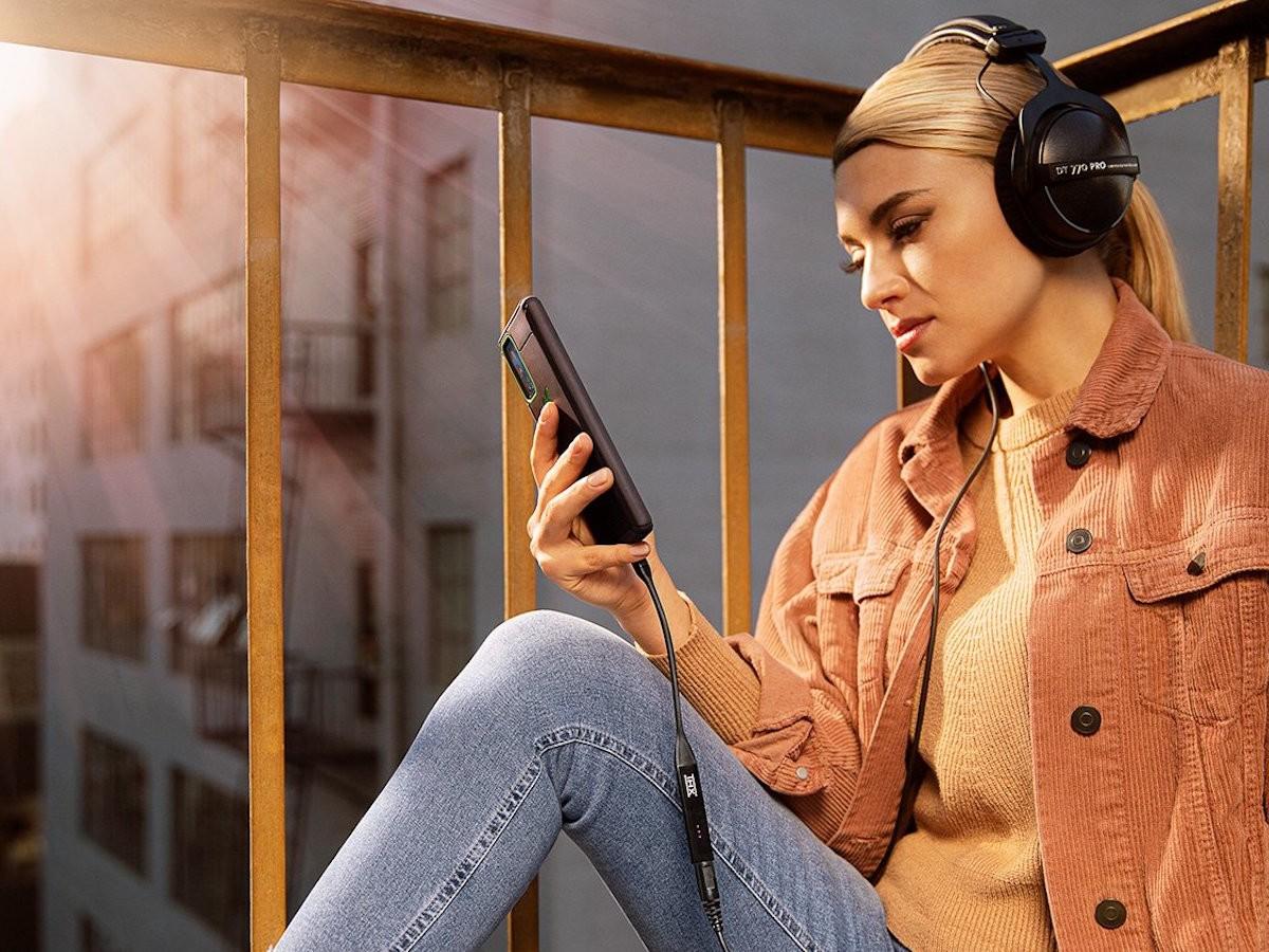THX Onyx portable DAC headphone amplifier provides hi-fi mobile listening