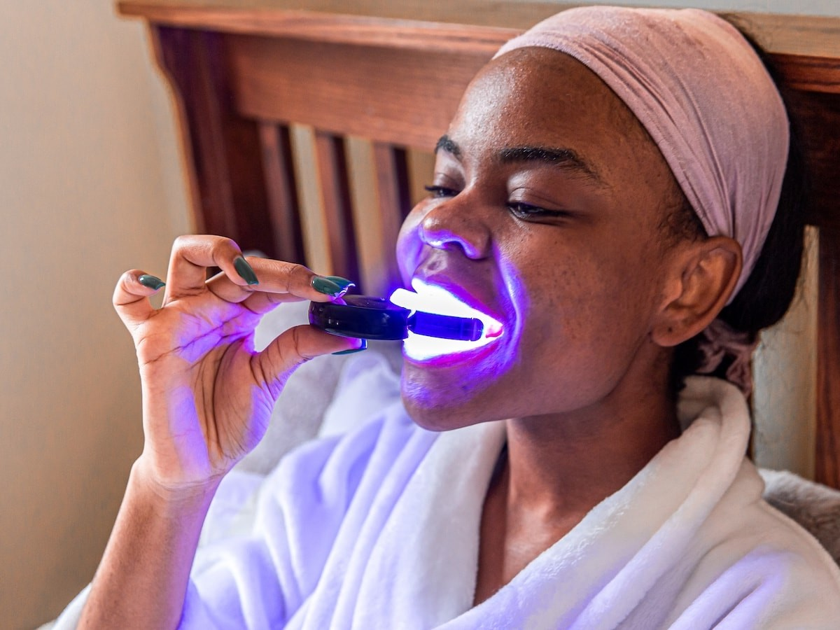Red LED Light Treatment uses LED technology to improve gum health and whiten teeth