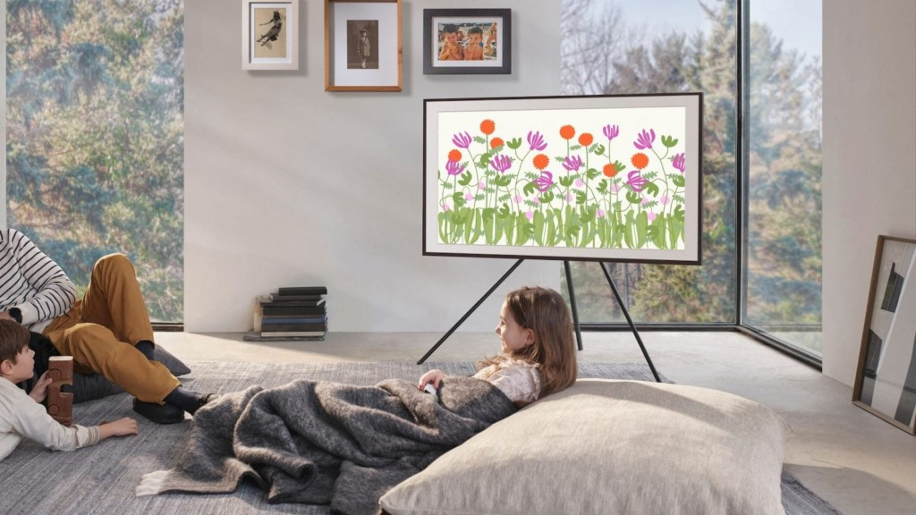 V Samsung The Frame 2021 lifestyle TV