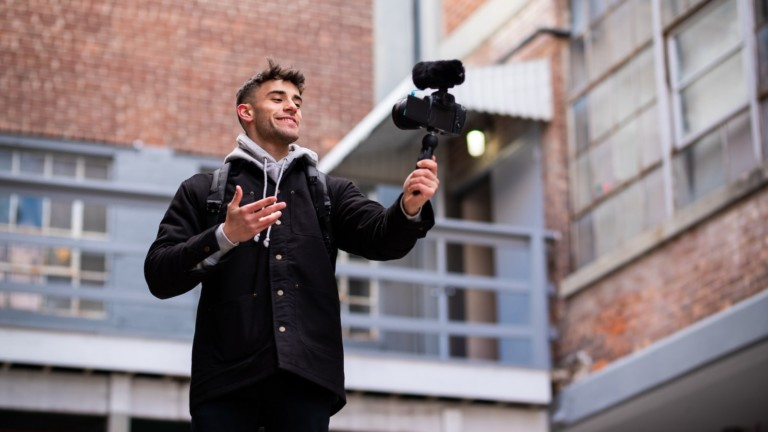 Sennheiser MKE 400 shotgun microphone is highly directional for better in-camera audio