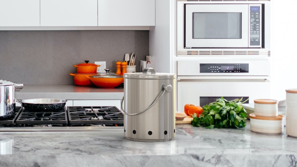 How to make your kitchen more eco-friendly Smell-Free Compost Bin