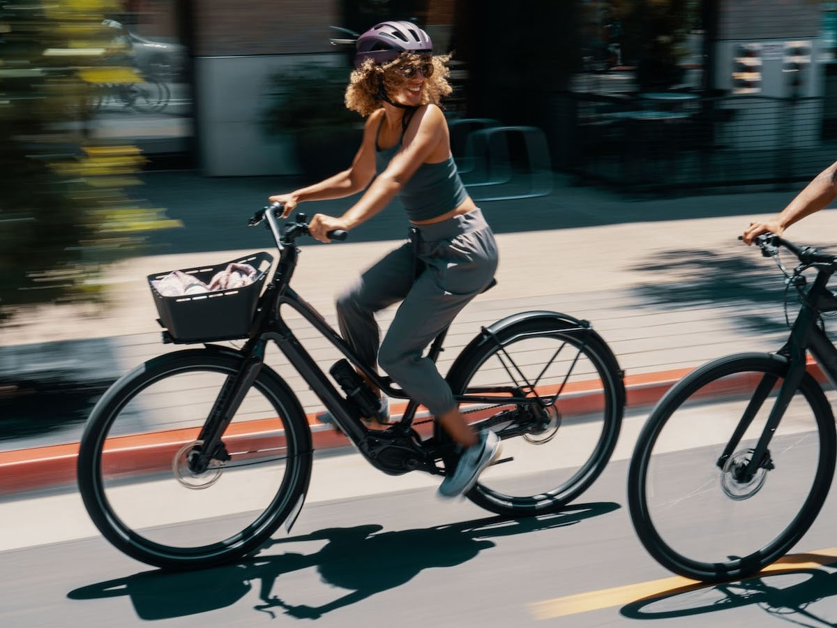 Specialized Turbo Como eBike series features a maximum range of up to 93 miles