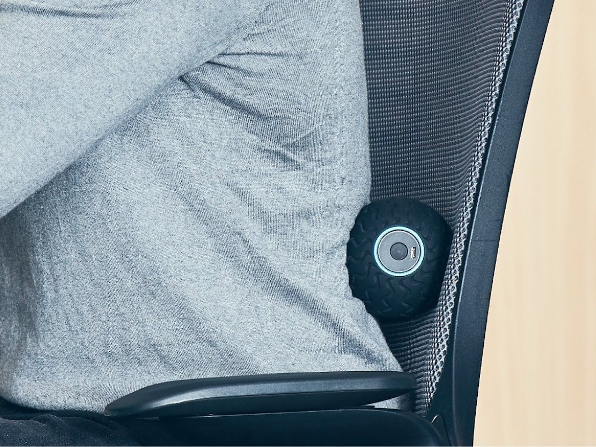 Therabody Wave Solo smart vibration therapy device reduces tension & improves movement