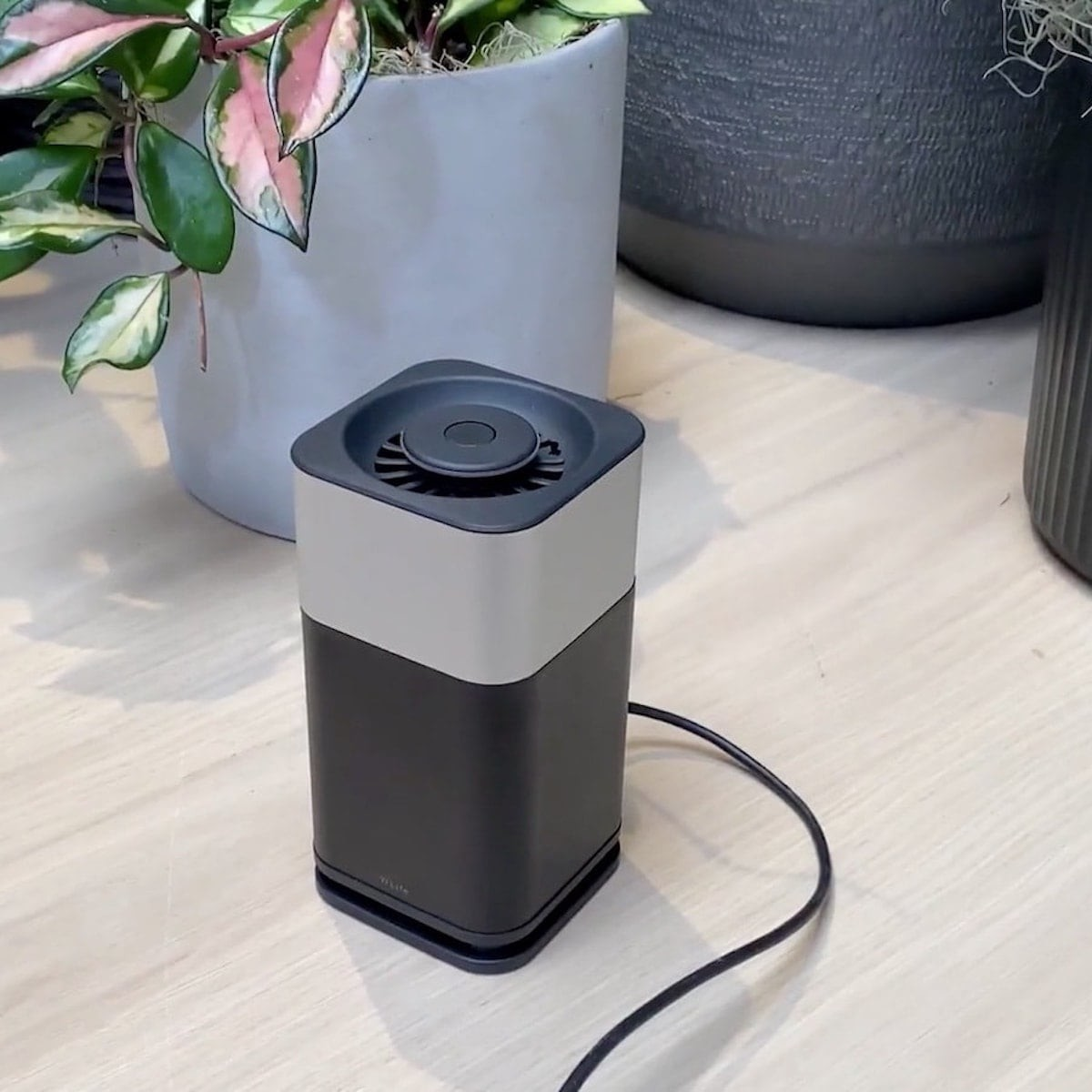 This high-tech purifier sanitizes the air in an eco-friendly, quiet way thumbnail