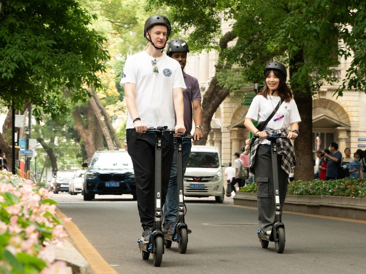 ZETAZS Ranger Pro electric scooter starts up in just a second for everyday commutes