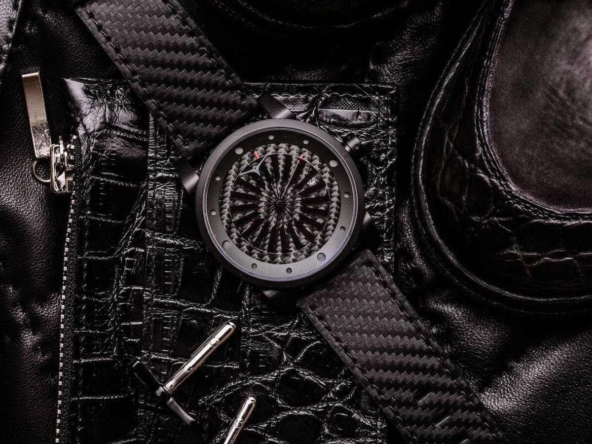 ZINVO Blade Venom carbon fiber men's watch uses a rotating 1-second spin turbine disc