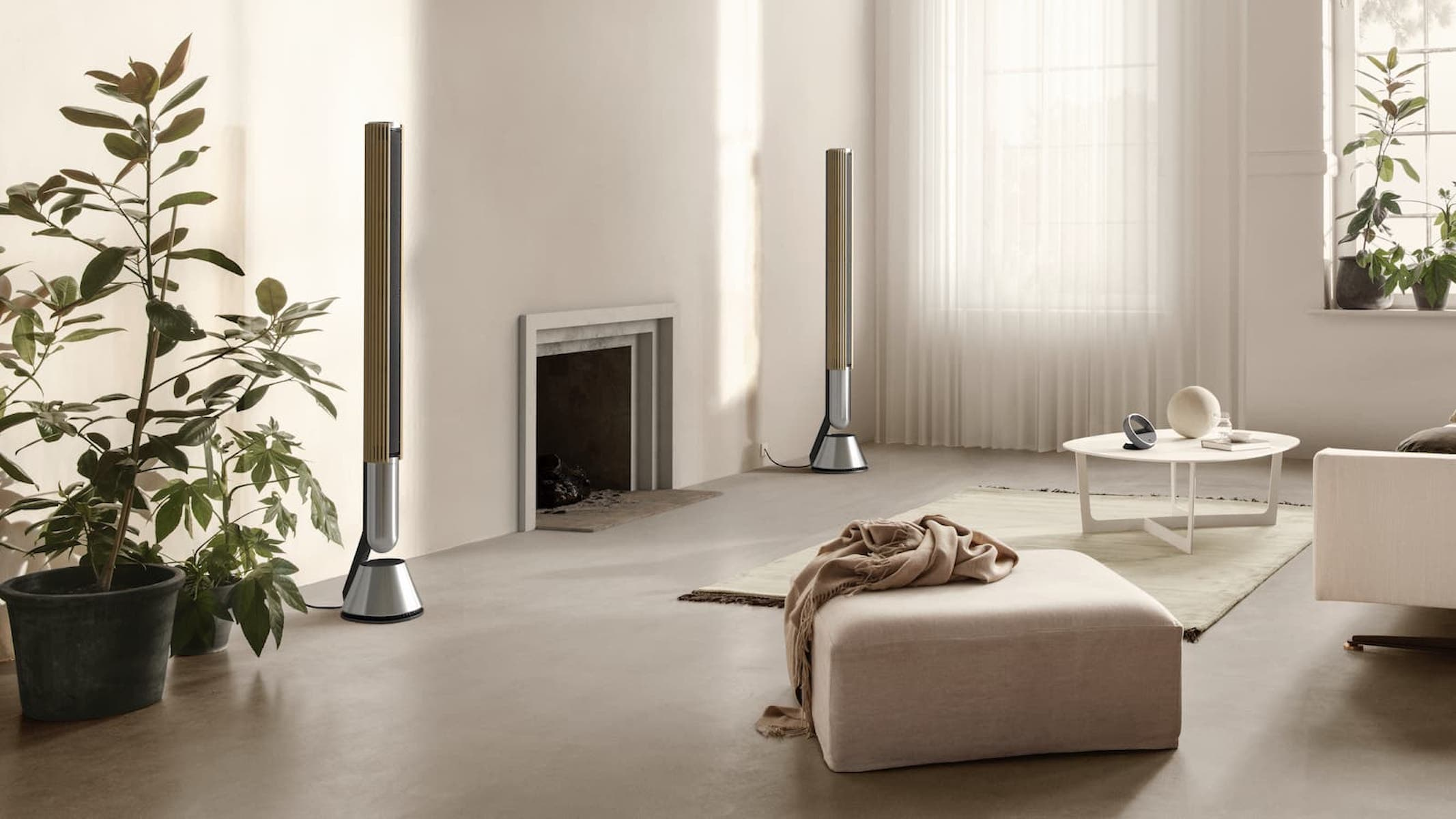 Beolab 28 speakers in the living room