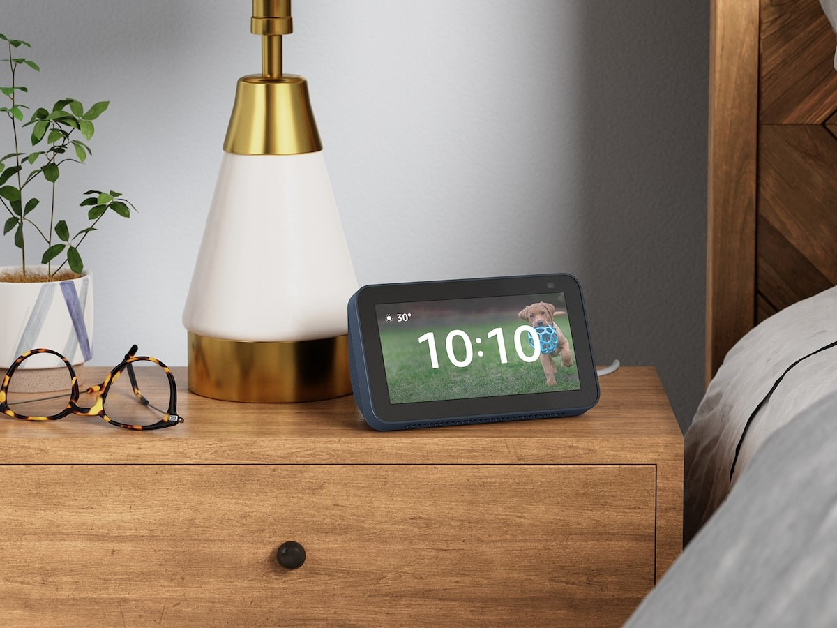 Amazon Echo Show 5 2nd Gen smart display easily manages your life and smart home