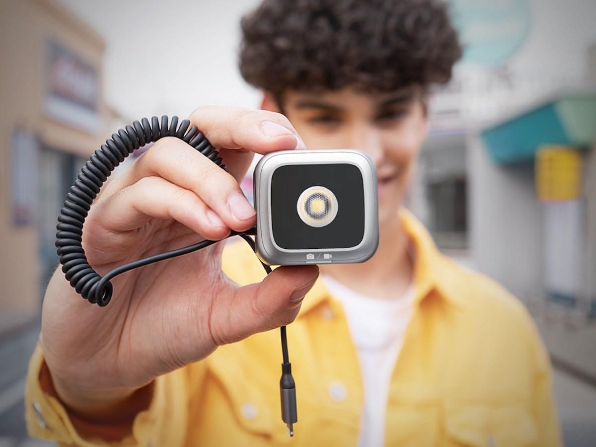 Anker iPhone LED Flash photography accessory has a super bright, long-range flash thumbnail