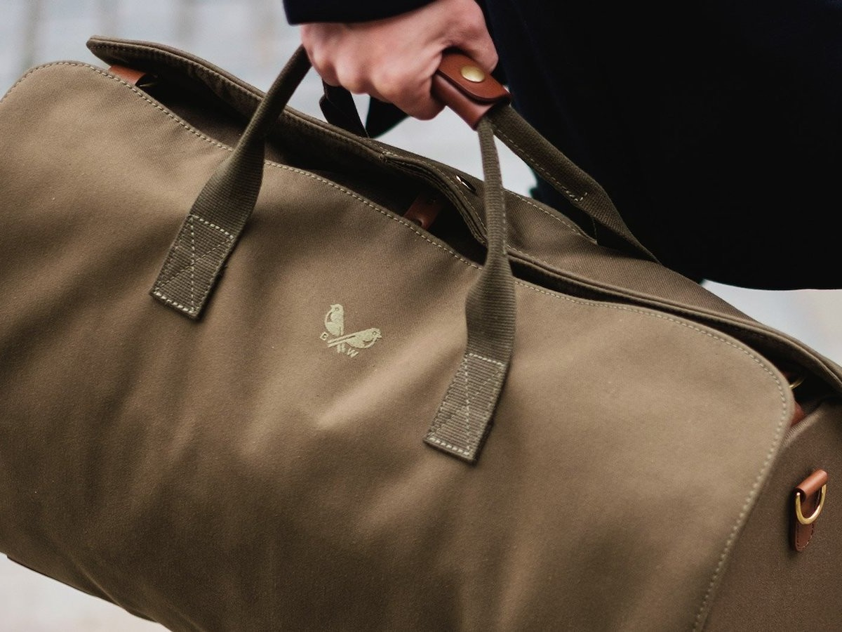 Bennett Winch The S.C Holdall 2-piece travel bag is a holdall and suit carrier in one