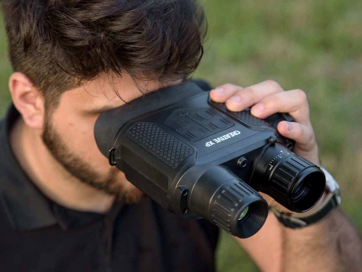 CREATIVE XP Digital Night Vision Binoculars let you see clearly in complete darkness thumbnail